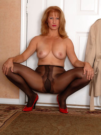 matures and pantyhose galleries fetish porn softcore mature pantyhose photo