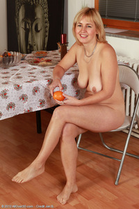 milf nudist galleries nel nudist nella