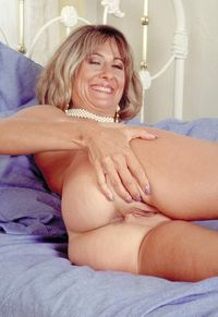 milf pic this one plain hot older milf