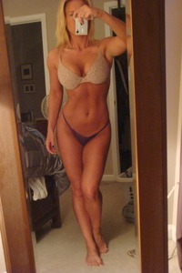 milf picture xxx cougar xxx presents very fit milf selfie