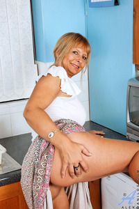 milf porn gallery galleries anilos alex milf nude gallery