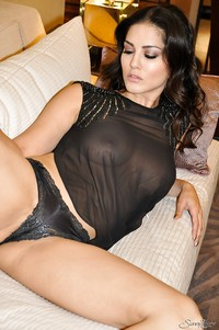 milf porn star photos pics galleries clothed milf pornstar sunny leone likes revealing tits