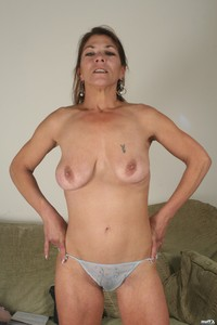 milfs moms matures boobs milf mom mature old older grandma granny oma tattoos