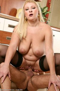 milfs porn photos albums yummy milfs photos hot fucking