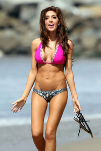 mom bikini farrah abraham pink bejeweled bikini photo beach los angeles all packed out moms house