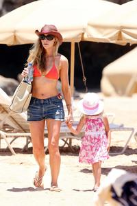 mom bikini famecrawler bikini bodies celebrity denise richards mom style beachy bombshell everday