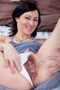 mom puss pic picpost thmbs fine mother flashing furry pussy pics close erotic vagina