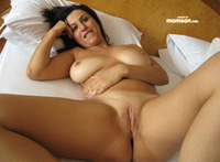 mom pussy photo mommy spreads legs shows shaved pussy mom showing