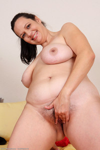 mom pussy chubby milf naked bbw fat mom wife nude amateur mother tits pussy