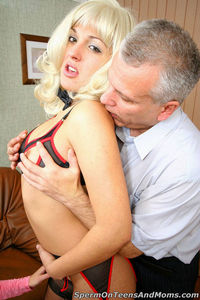 mom sex pics bcd office mom gallary