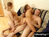 mom sex to daughter mother son dad daughter incest pictures peeks mom fucks