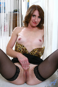 mom spreading porn original tlh xxx pics anilos mom kimberly spreads legs wide open caressing pussy really good indoors