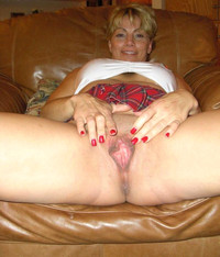 mom spreading porn amateur porn mom milf spreading legs wide open photo