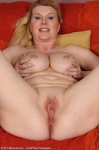 mommy mature porn tits blonde ass mature milf mommy chooses perfect panties