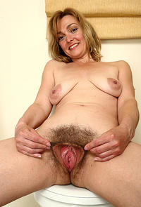 moms cunt pic lesbian porn lovely hairy bucket cunt mom moms pics