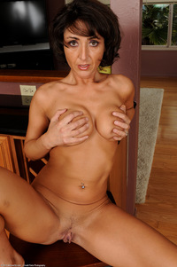 moms milf mature eed cool photosets moms like fuck milf mature page