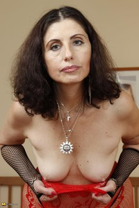 moms milf mature ffe feb cool photosets moms like fuck milf mature page