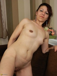 moms milf mature cool photosets moms like fuck milf mature page