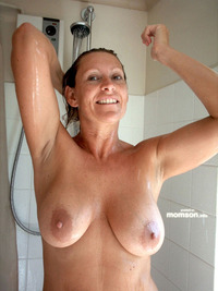 moms nude naked mom shower
