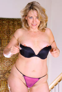 moms sexy photos mature porn sexy bush mom liz photo