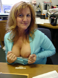 moms tits photos mom flashing tits office
