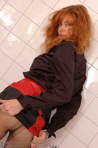 moms vagina galleries pictures lady claire picsb gallery german mature nylons