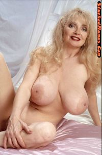 my hot mom sex afaf gallery hot mom loves playing pussy