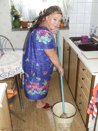 naked granny images granny cleaning kitchen white naked ass slut clit