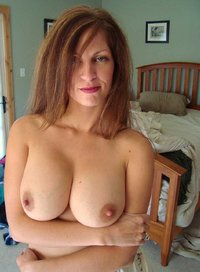 naked milf pictures zwlkg messy bed