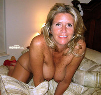 naked mom pics naked bmom bon bthe bbed horny mom rubs wet pussy bed