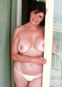 naked mom pictures naked mom smiling camera