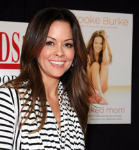naked mom s brooke burke signs copies naked vrufyh mom cover