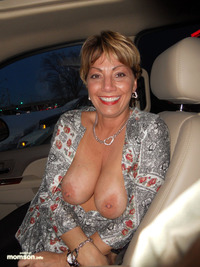 naked mommy pic mommy showing boobs car nude public