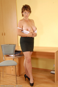naked pictures milfs mis busty milf misti