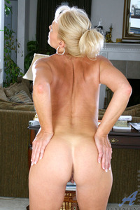 new mature porn stars tits blonde ass high heels mature milf this moms still rock
