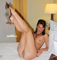 nude moms naked mom beautiful leg puffy vagina