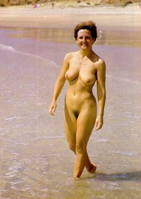 nudist mature pussy retro picture sexy furry lady saggy boobs happy