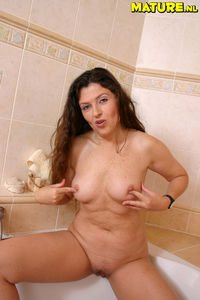 nudist mom pictures dbe nudist mom fucks sucks all young boys