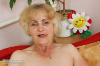 old pussy moms galleries gallery old pussy dominika masturbation fingers dildo