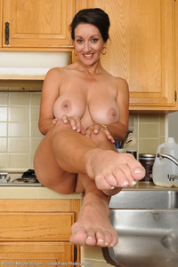 old pussy photo milf porn all over busty takes break tug hairy old pussy
