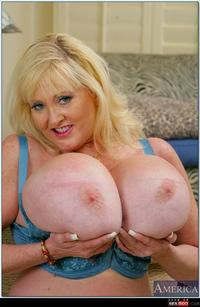 old tits pics wmimg fat bromelons moo bbw tits silicone kayla old show unbelievably sexy gallery