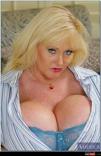 old tits pics wmimg kayla silicone fat old moo bbw tits bromelons