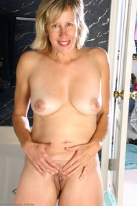 older matures porn mature sexy older blonde housewives gallery porn