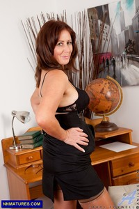 older milf photos older milf carol foxwell boobs looks sexy attachment
