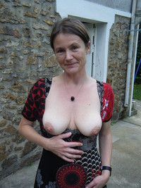older moms boobs saggy tits mom mature amateur floppy nipples areolas