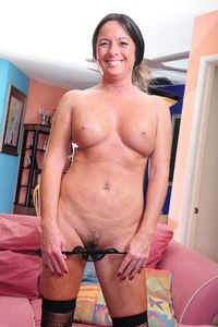 older pussy photos picpost thmbs brown hair older woman freckled chest flashing pussy pics