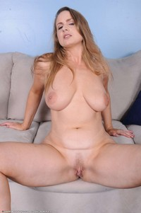 older pussy photos porn older pussy withbig labia photo