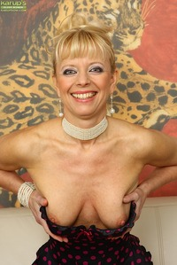 older pussy photos scj galleries gallery tall mature babe marylin toys tight older pussy