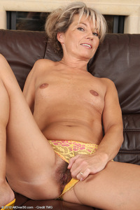 older pussy mature pics allover darling fingers older pussy