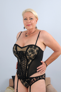 older women hot porn mature angelique fmzgtv ang allover free hot older women year old cindy from durban